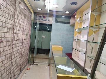 Furnished Shop Near Poisar on Lease